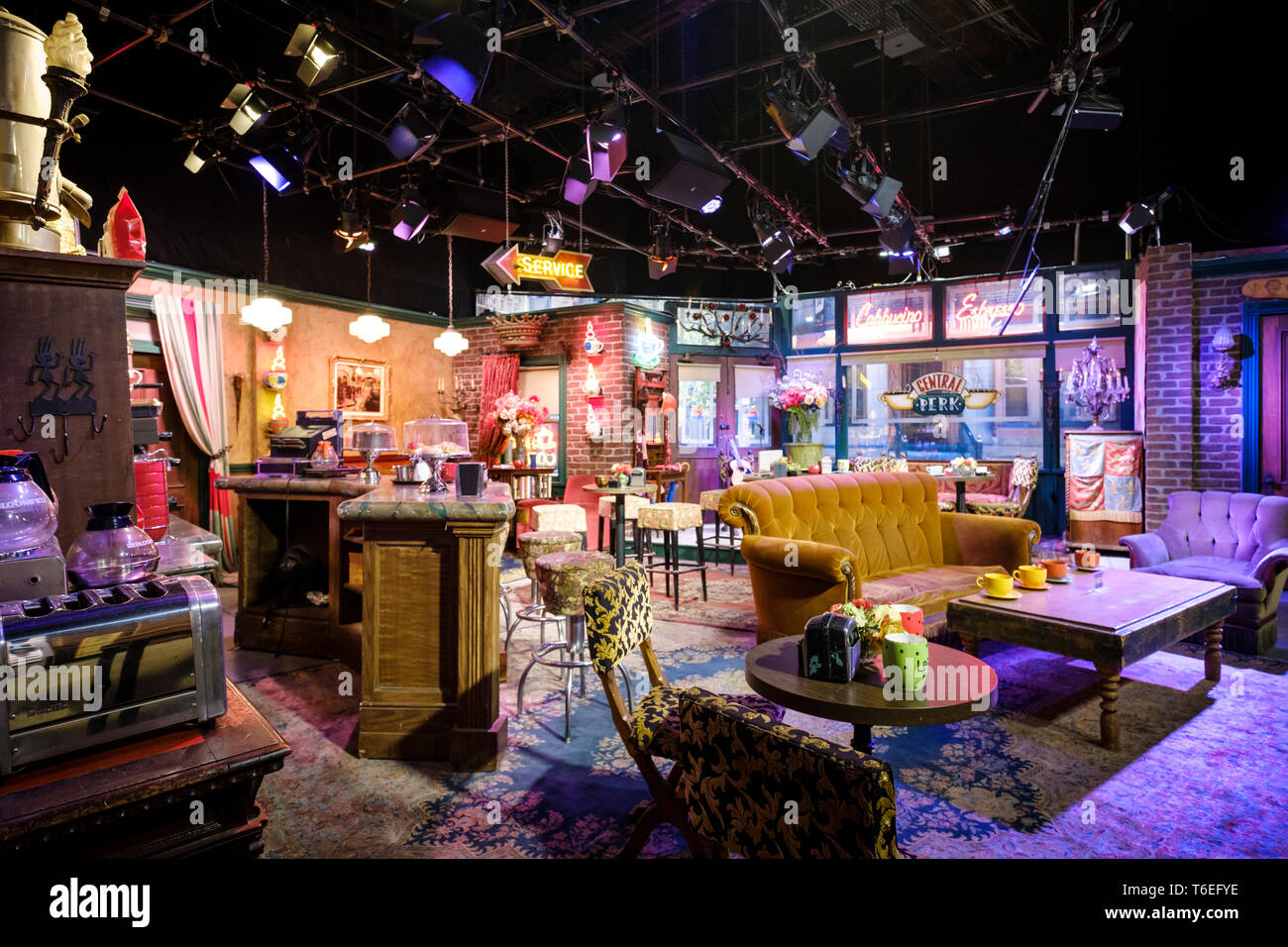 Central Perk Cafe Film Set Of World Famous Sitcom Friends At Warner Bros Studio Tour Hollywood In Los Angeles California Usa Stock Photo Alamy