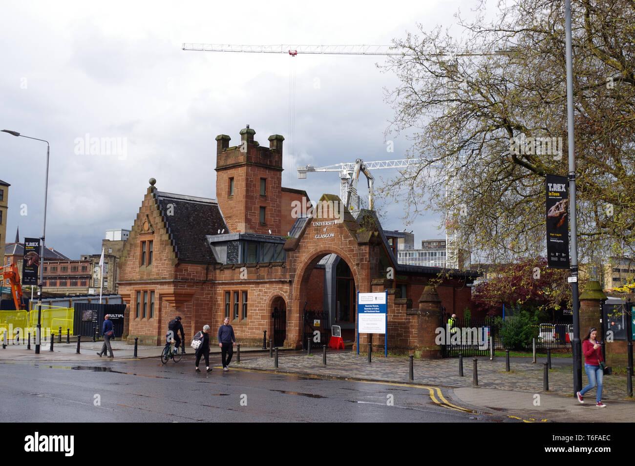 Entrance to Glasgow University on Dumbarton Road, Partick, Glasgow, Scotland - Stock Image