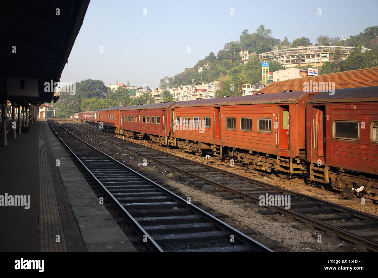 older carriages at the railway station kandy sri lanka - Stock Image