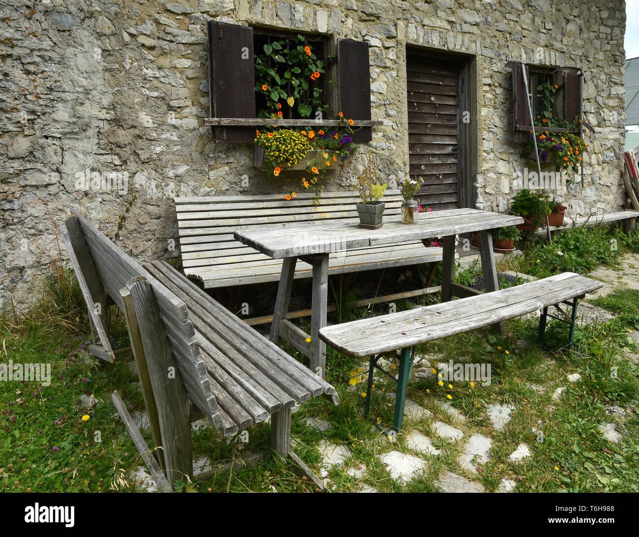 flower decoration, alp, hut - Stock Image