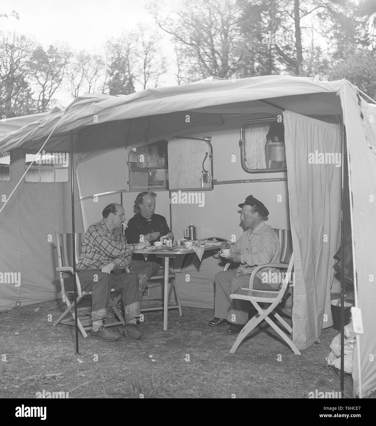 Camping 1950s Stock Photos & Camping 1950s Stock Images - Alamy