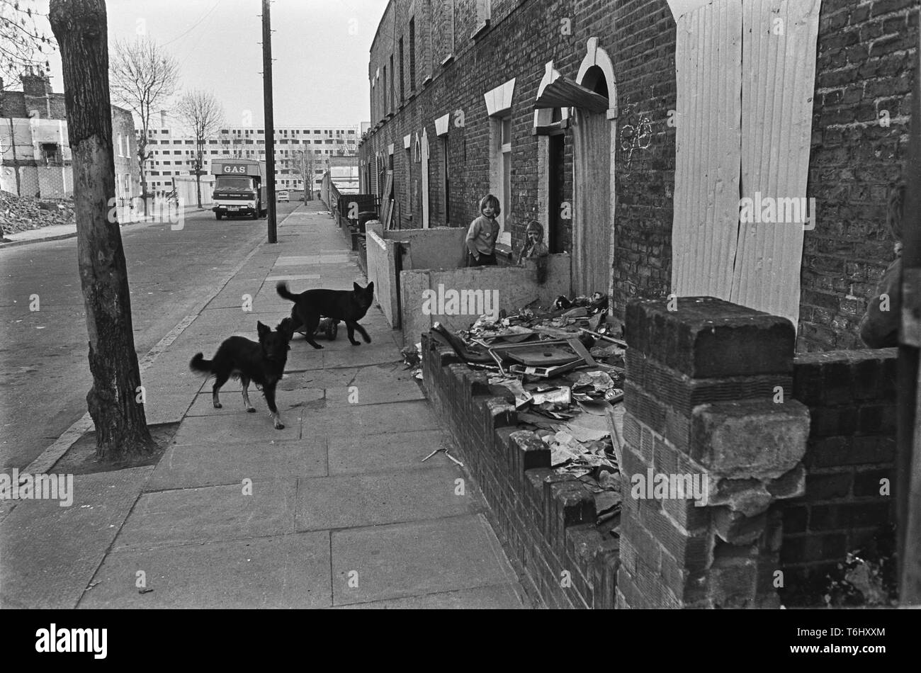 2/58/ 6  Usher Rd Bow, a few houses still inhabited 1976 - Stock Image