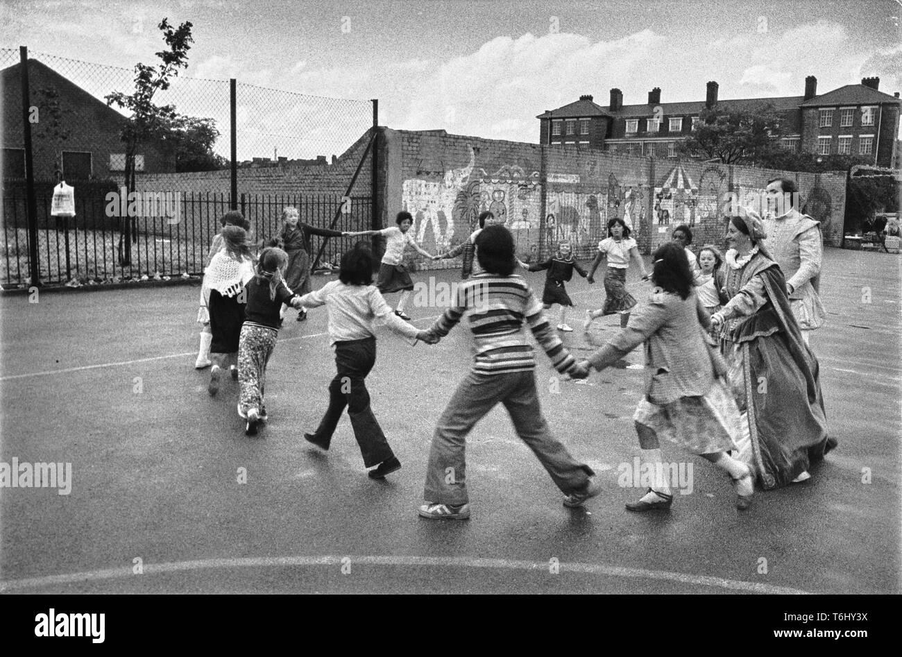 24/7 Tower Hamlets Spitalfields Farm funday  1979 - Stock Image