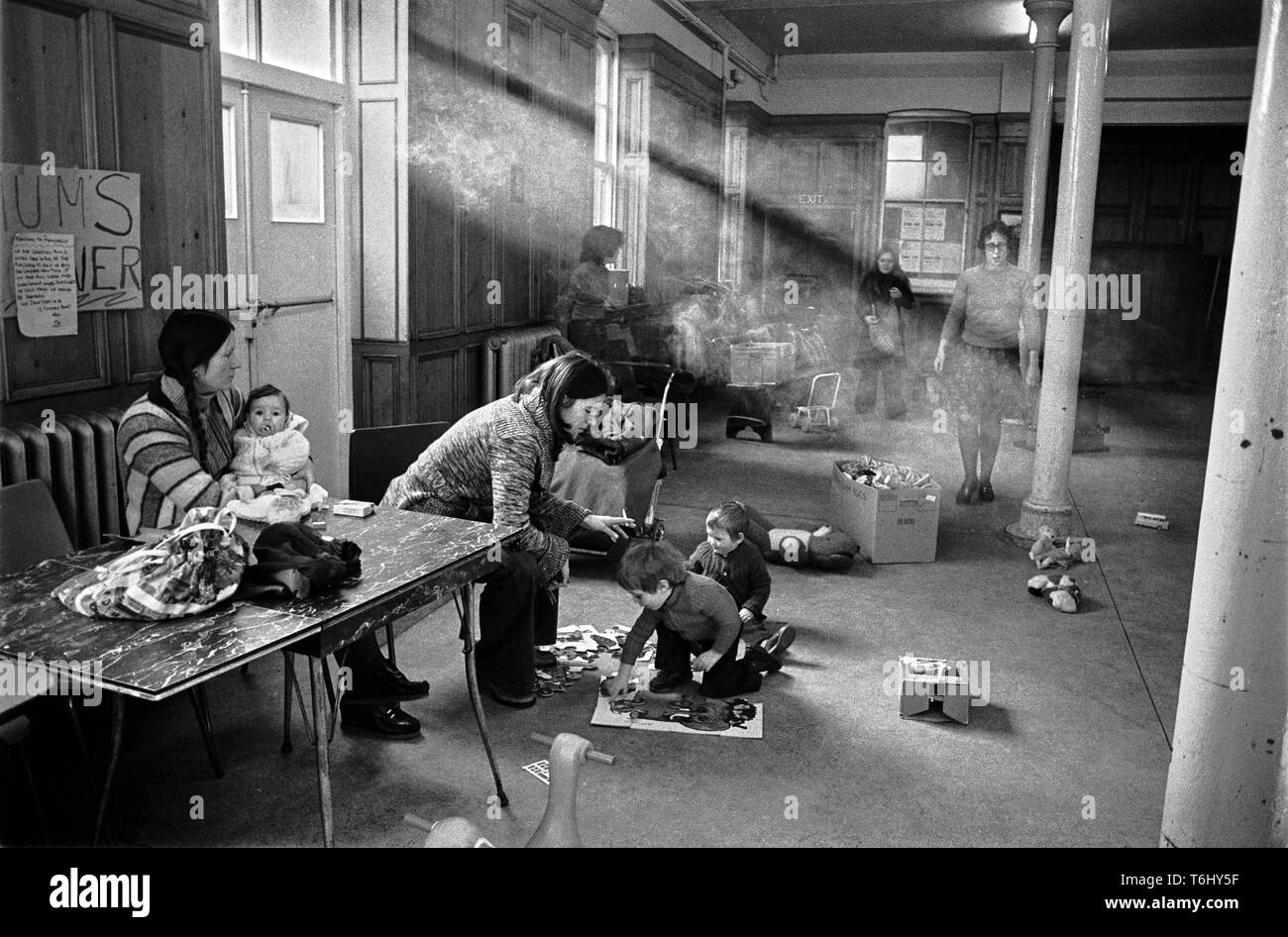 44/5 Tower Hamlets Mansford St Playgroup Bethnal Green 1978 - Stock Image