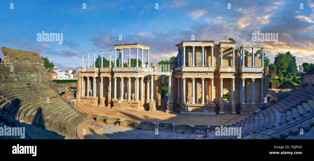 Roman theatre of the Roman colony of Emerita Augusta (Mérida) dedicated by the consul Marcus Vipsanius Agrippa and built in 15BC, renovated late 1st C - Stock Image