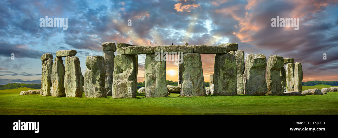 Stonehenge Neolithic ancient standing stone circle monument, Wilshire, England - Stock Image