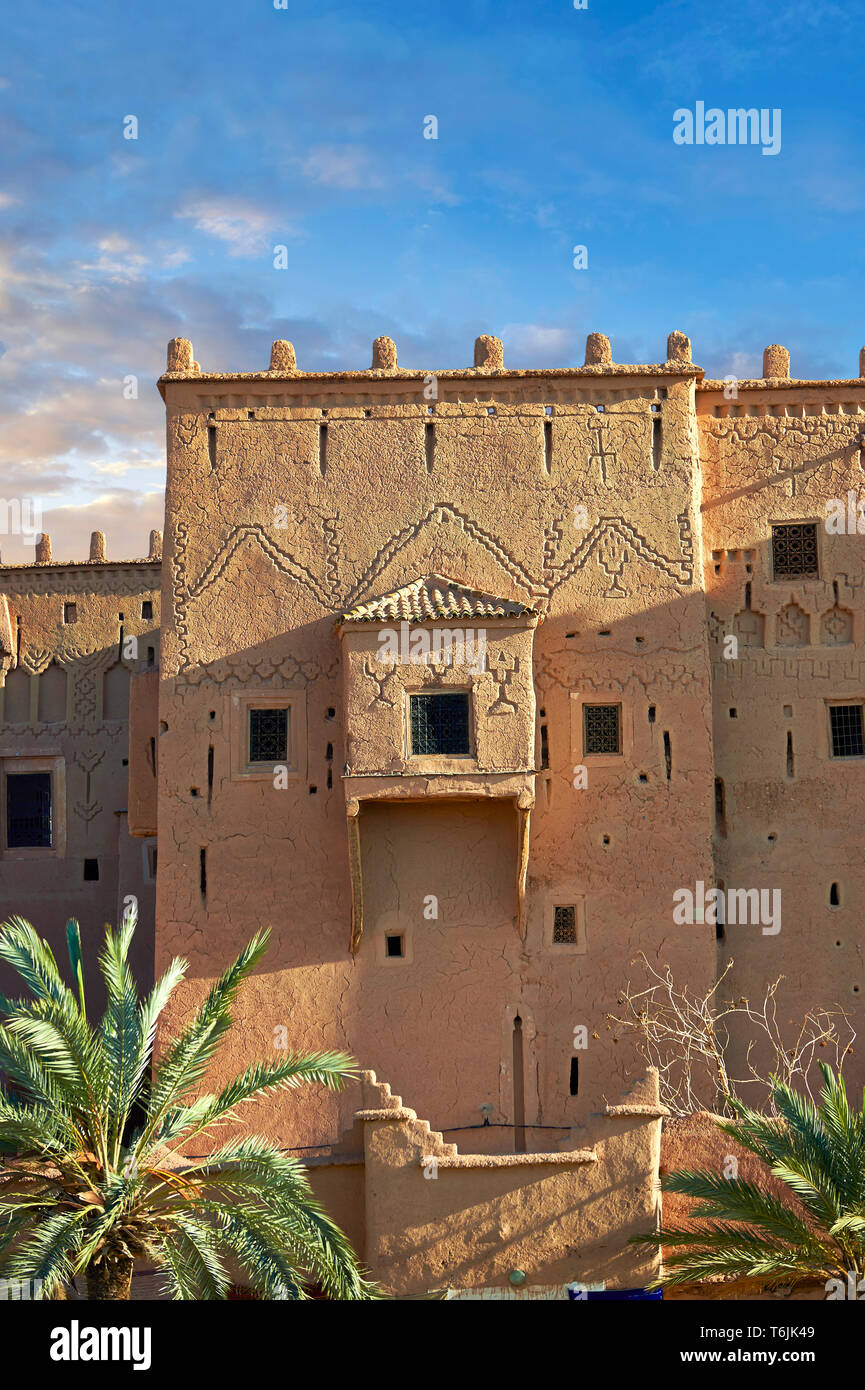 Exterior of the mud brick Kasbah of Taourirt, Ouarzazate, Morocco, built by Pasha Glaoui. A Unesco World Heritage Site - Stock Image