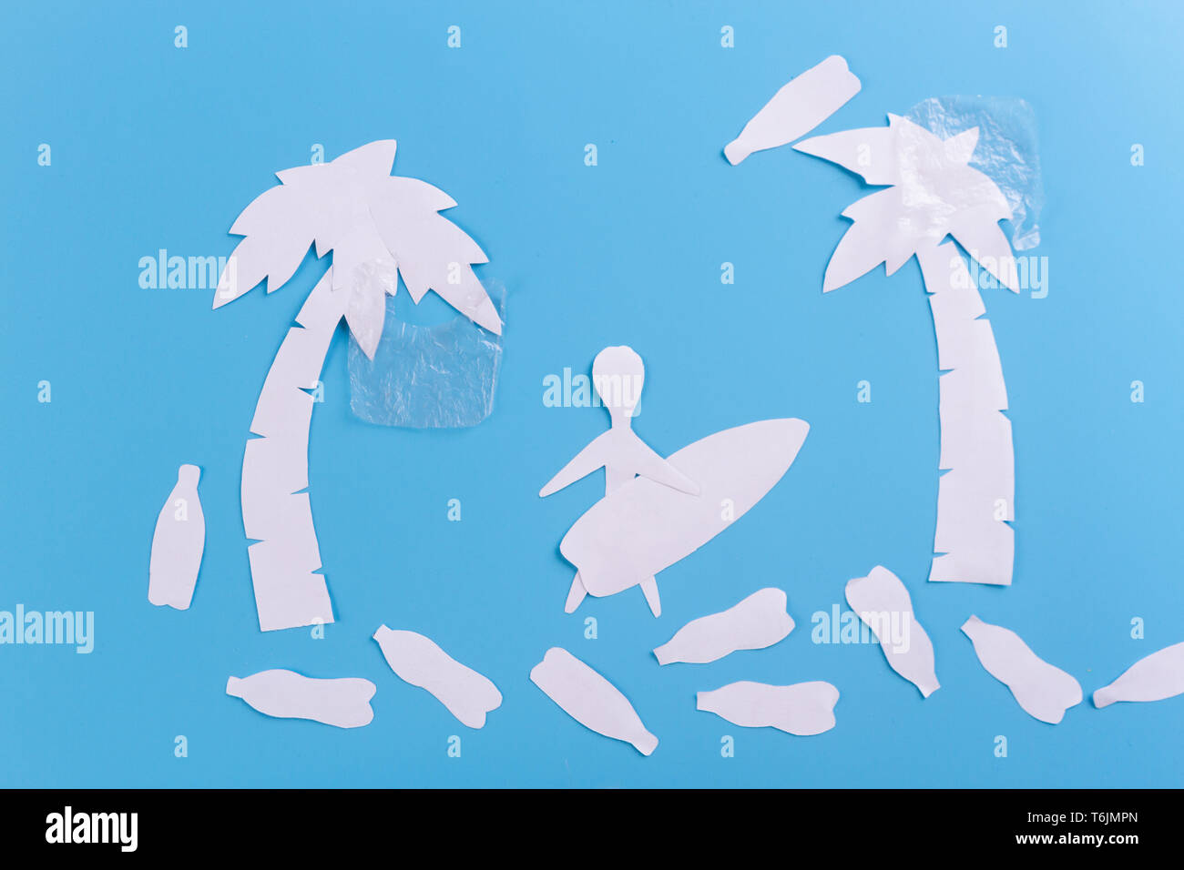 Plastic pollution in ocean concept. paper cut - Stock Image