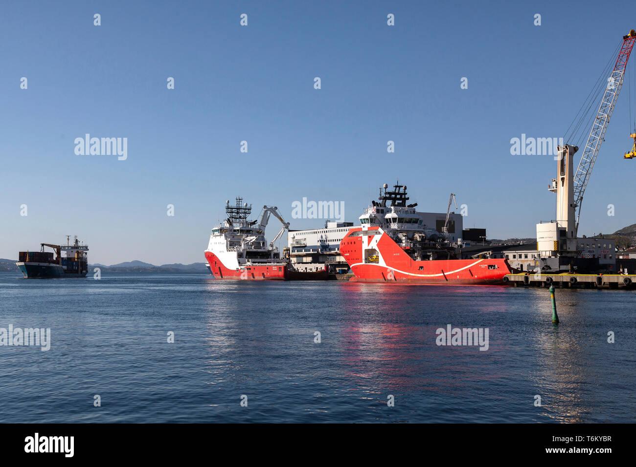 Offshore AHTS anchor handling tug supply vessels KL Saltfjord and Siem Opal, berthed at Dokkeskjaerskaien (Dokkeskjærskaien) terminal in the port of B - Stock Image