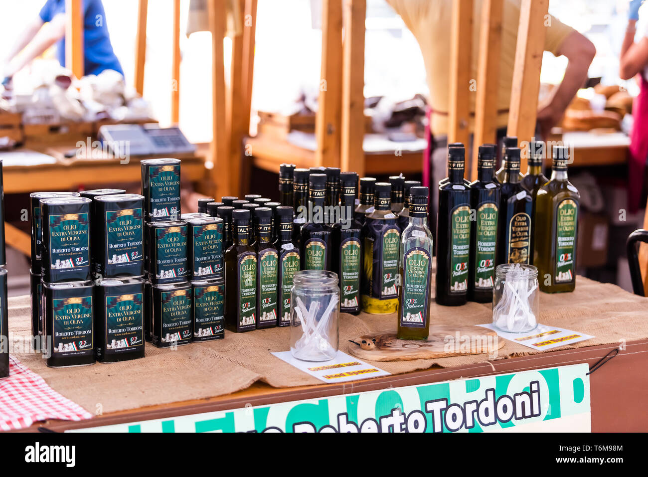 Oil Store Stock Photos & Oil Store Stock Images - Alamy