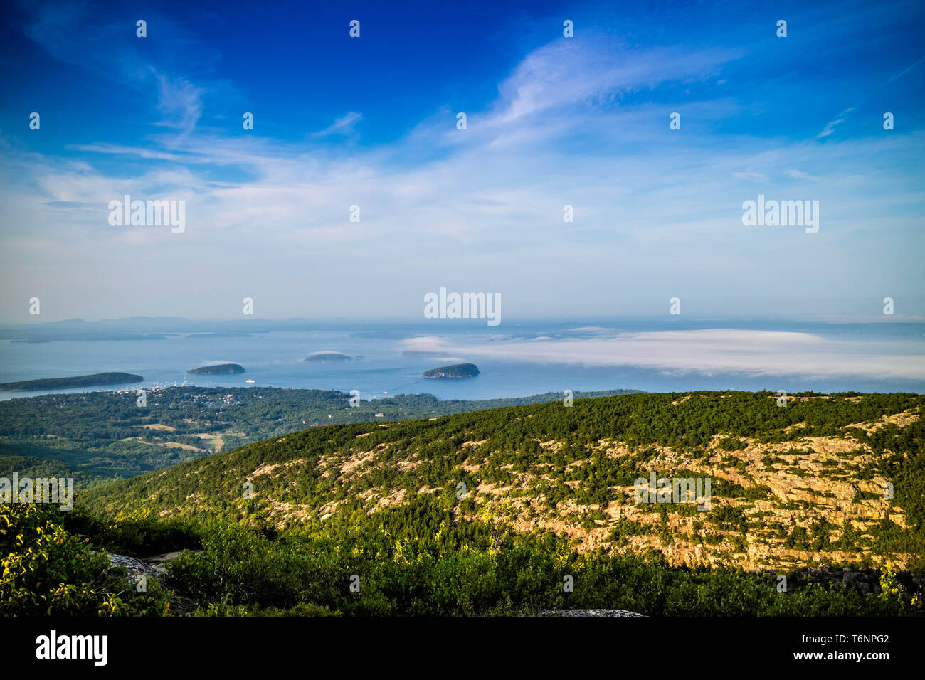 The overlooking Frenchman Bay in Acadia National Park, Maine - Stock Image
