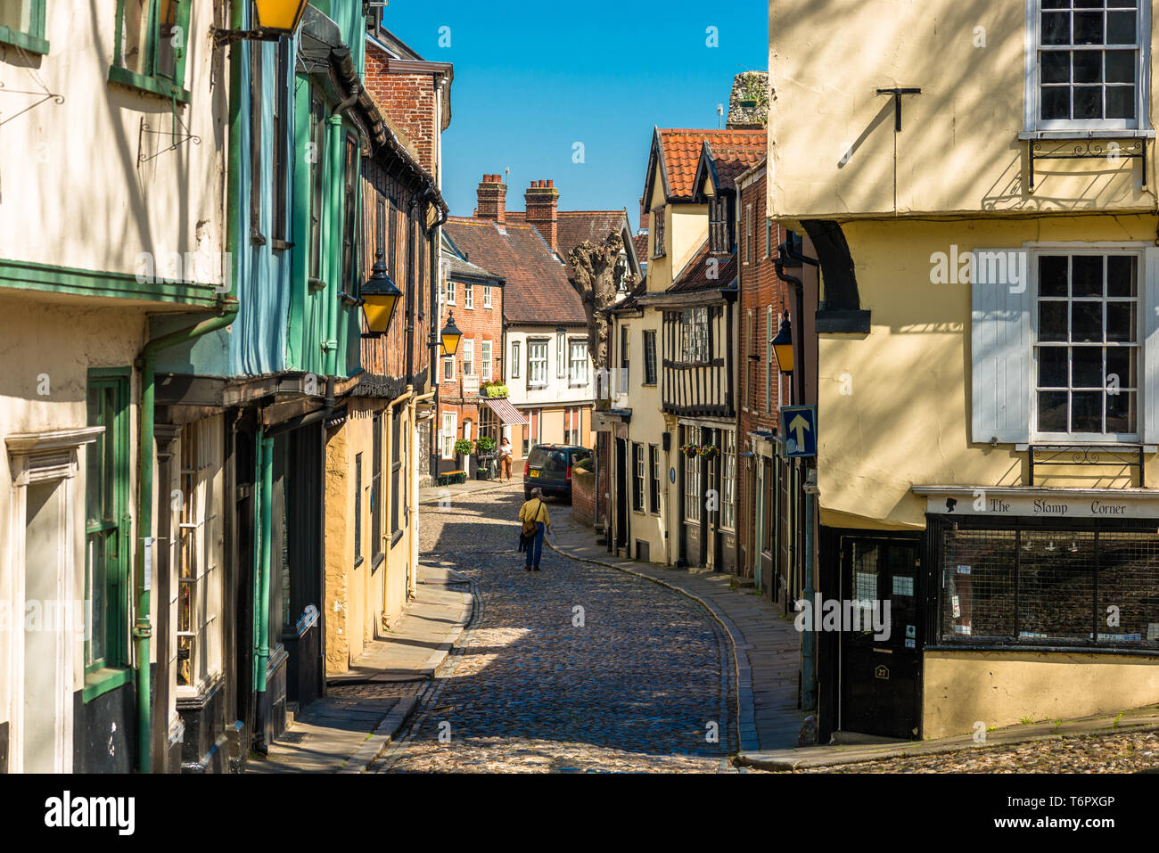 Cobbled Street And Shops Of The Medieval Street Of Elm Hill In Norwich City Centre Norfolk East Anglia England Uk Stock Photo Alamy