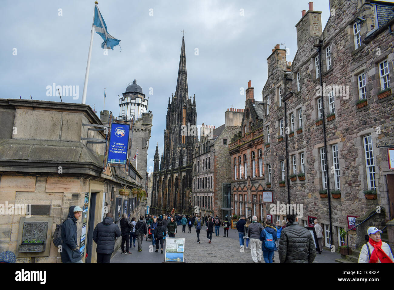 EDINBURGH, SCOTLAND - SEPTEMBER 09, 2018: Edinburgh's busy Royal Mile (The Highstreet) is one of the most iconic streets in Scotland and a mayor touri - Stock Image
