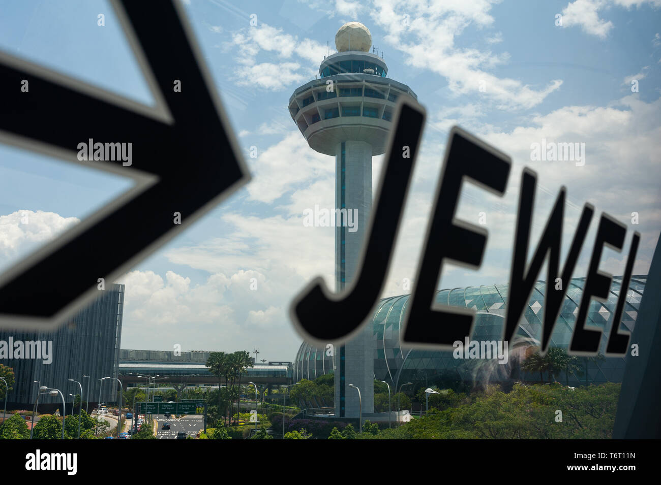18.04.2019, Singapore, Republic of Singapore, Asia - View of the new Jewel terminal with the Changi Airport Control Tower. - Stock Image