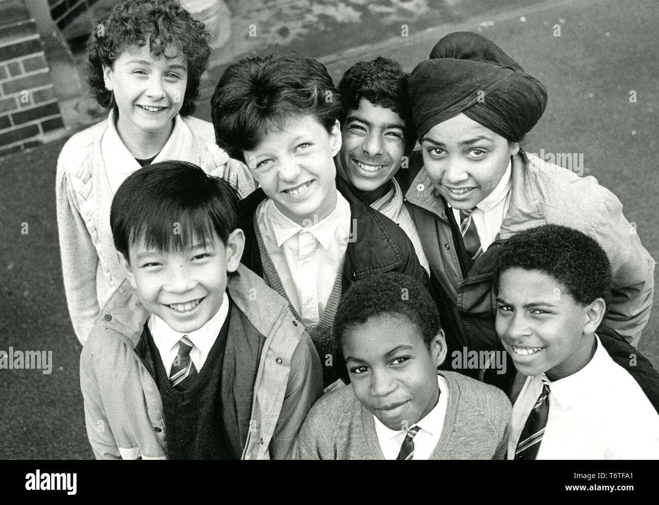Group of secondary school pupils UK 1998 - Stock Image
