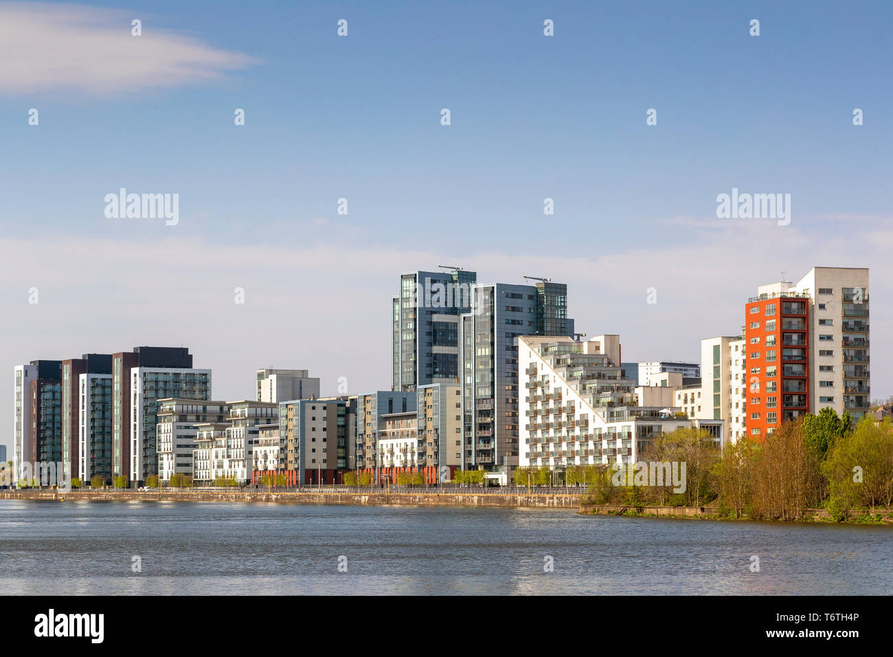 City skyline of Partick housing overlooking the River Clyde, Glasgow, Scotland, UK - Stock Image