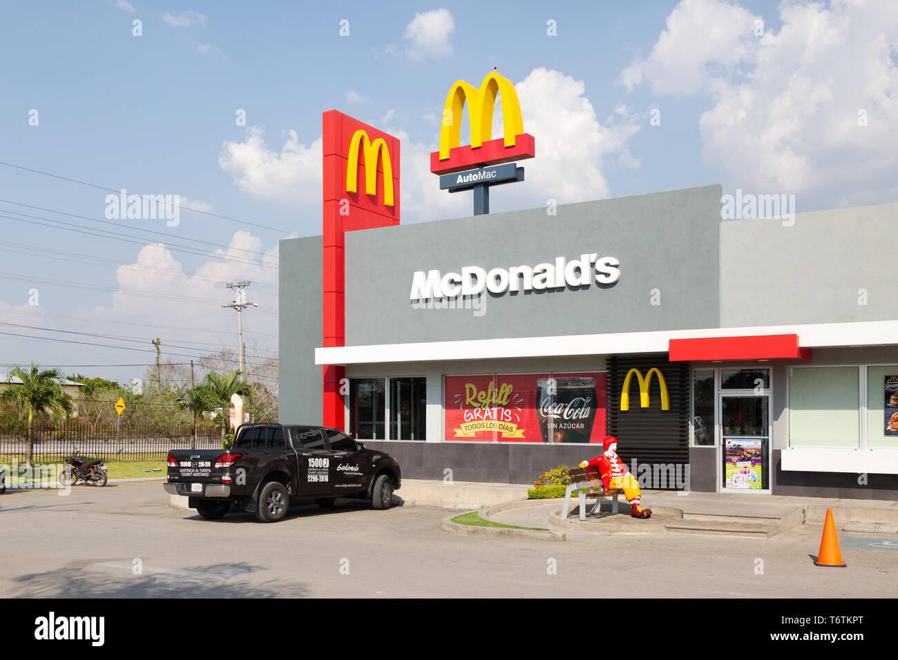 Mcdonalds Central America Mcdonalds Fast Food Restaurant Exterior Flores Town Guatemala Central America Stock Photo Alamy
