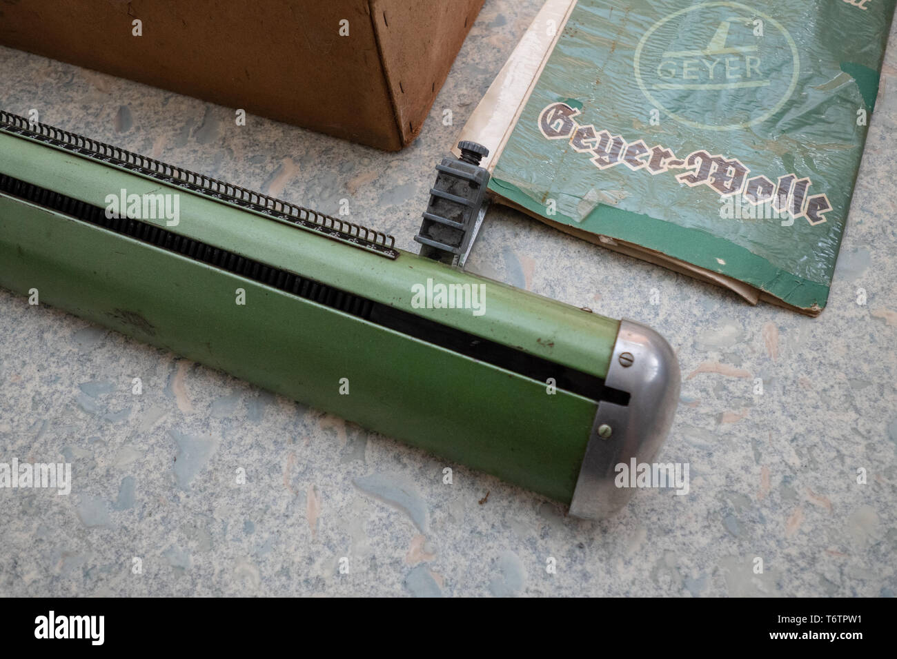 Knitting Machine Stock Photos Knitting Machine Stock Images Alamy