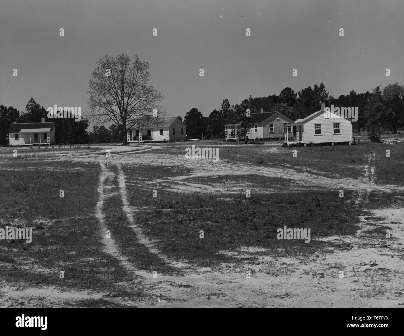 Photograph of a teacher's and nurse's houses in Gee's Bend, Alabama, November, 1939. From the New York Public Library. () - Stock Image
