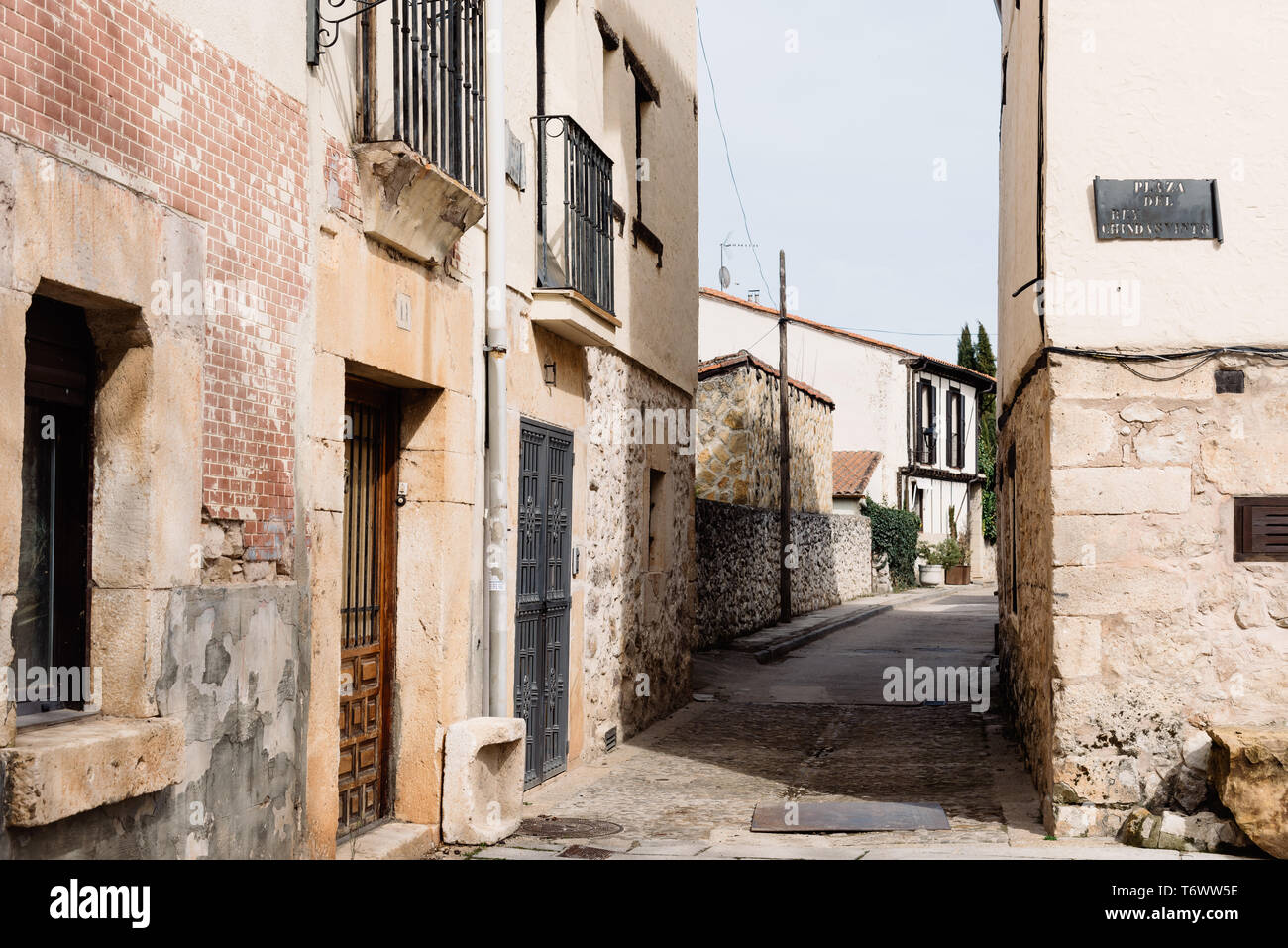 Scenic view of the old medieval town of Covarrubias in Burgos, Castile and Leon - Stock Image