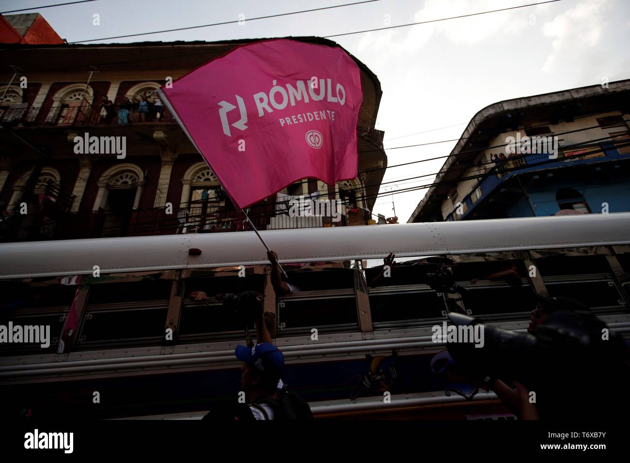 """Panamanians attend the closing of campaign of the candidate for the Presidency of the opposition Democratic Party of Panama (CD), Romulo Roux, in Panama City, Panama, 02 May 2019. Roux, one of the favorites to win the presidential elections in Panama closed his campaign with the promise of returning the bonanza to the country and ending the """"disaster"""" attributed to the current Government of Juan Carlos Varela and also the historic party PRD, whose standard-bearer is its main rival in the race. EFE/Bienvenido Velasco Stock Photo"""