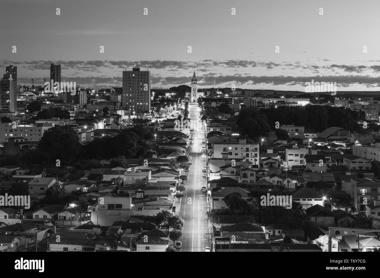 Cityscape of Araxá, MG, Brazil in the evening - Stock Image