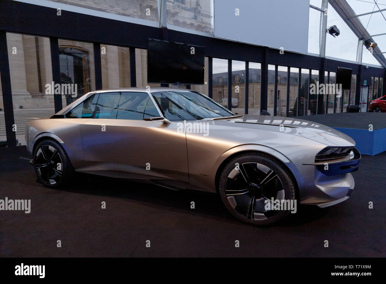 Peugeot E-Legend Concept, Grand Prix of the most beautiful concept car at the 34th International Automobile Festival. ©: V Phitoussi/Alamy Stock Photo - Stock Image
