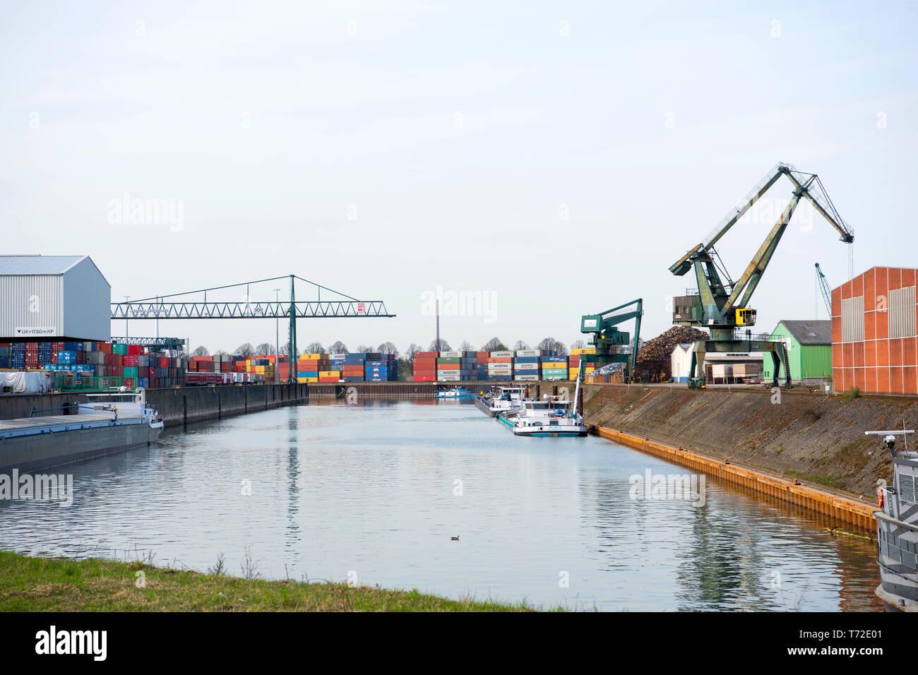 Deutschland, Köln, Niehl, Hafen Niehl I betrieben von HGK - Stock Image