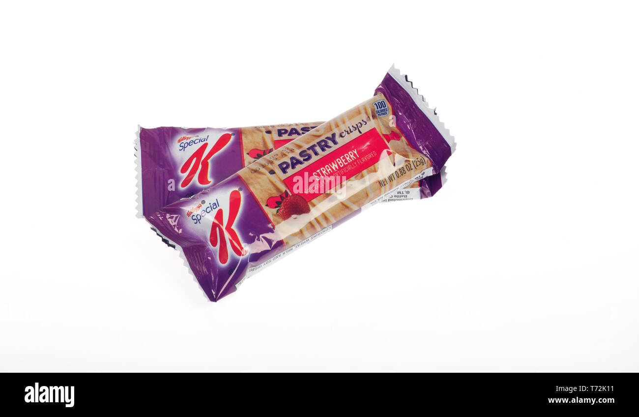 Special K strawberry Pastry Crisps snack treat  bars in wrappers - Stock Image