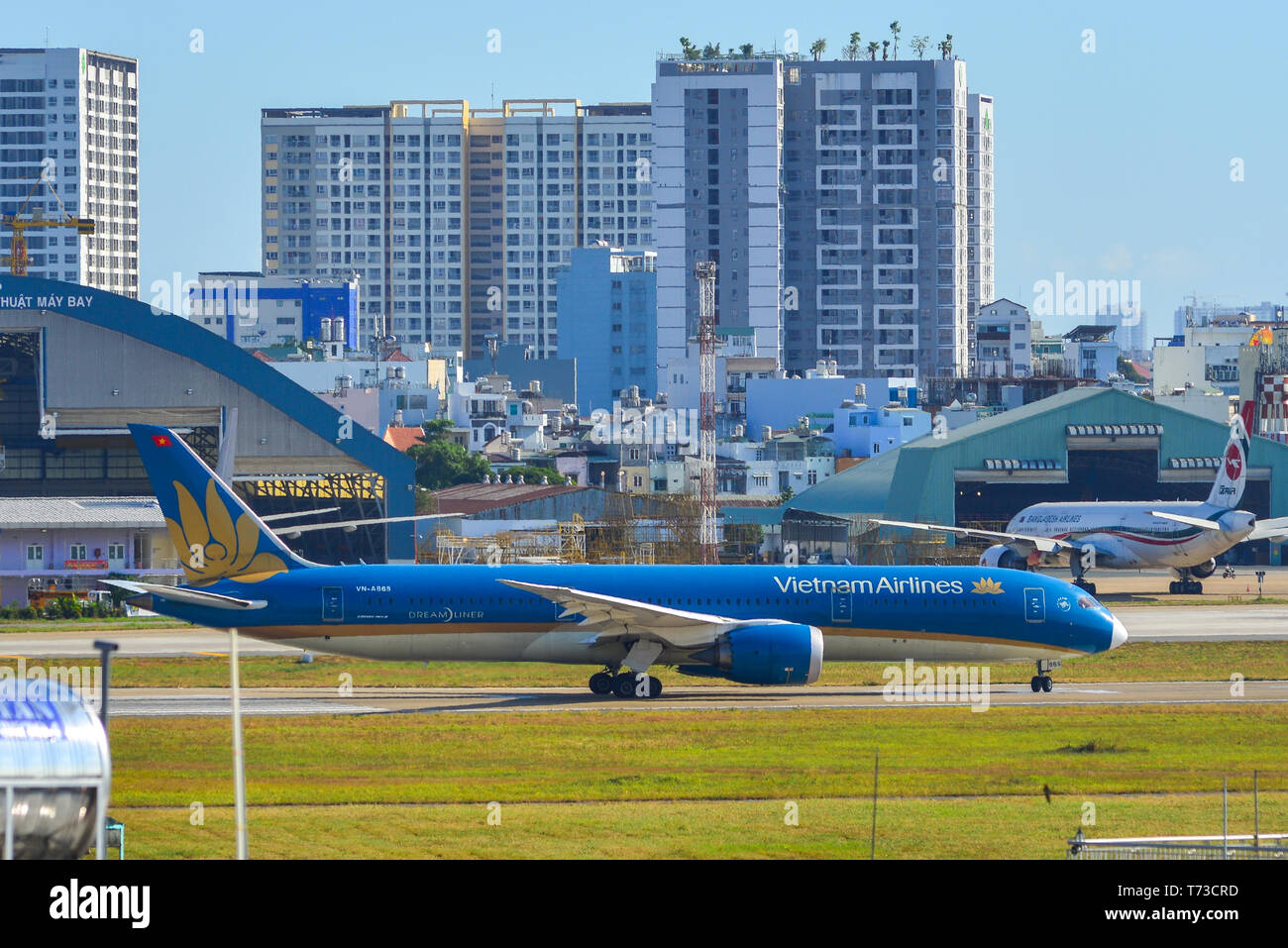 Saigon Vietnam Feb 19 2019 Vn A865 Vietnam Airlines Boeing 787 9 Dreamliner Taxiing On Runway At Tan Son Nhat Airport Sgn Stock Photo Alamy