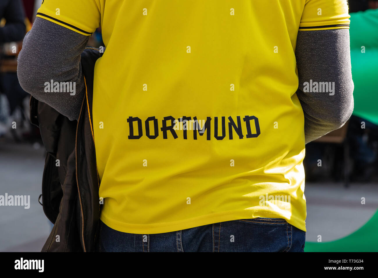 MARIENPLATZ, MUENCHEN, APRIL 6, 2019: shirt of a borussia dortman fan with the logo of the team - Stock Image