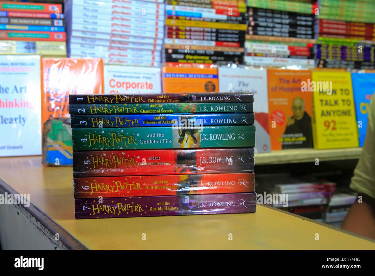Bookshelf at a bookshop at Nilkhet Book Market. Dhaka, Bangladesh - Stock Image