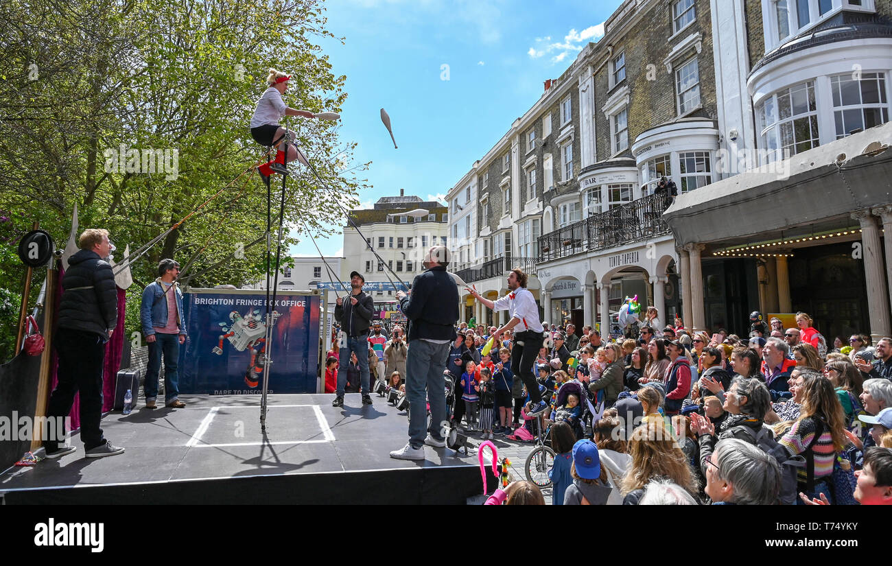 Brighton UK 4th May 2019 - Fit Up Productions performing to crowds at the Brighton Festival Fringe 'Streets of Brighton' event in the city centre on the opening day. Credit: Simon Dack / Alamy Live News - Stock Image