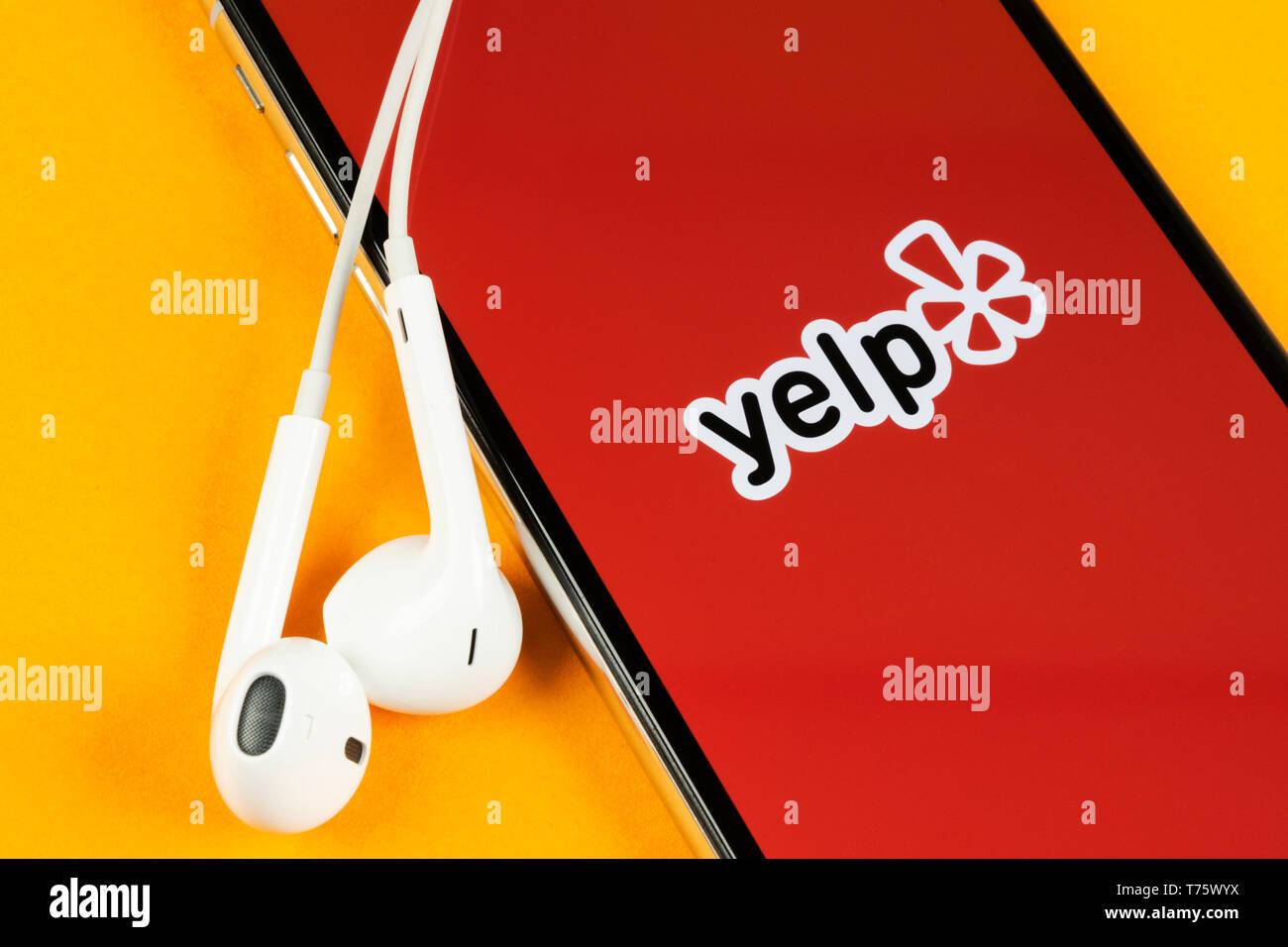 Yelp App Stock Photos & Yelp App Stock Images - Alamy