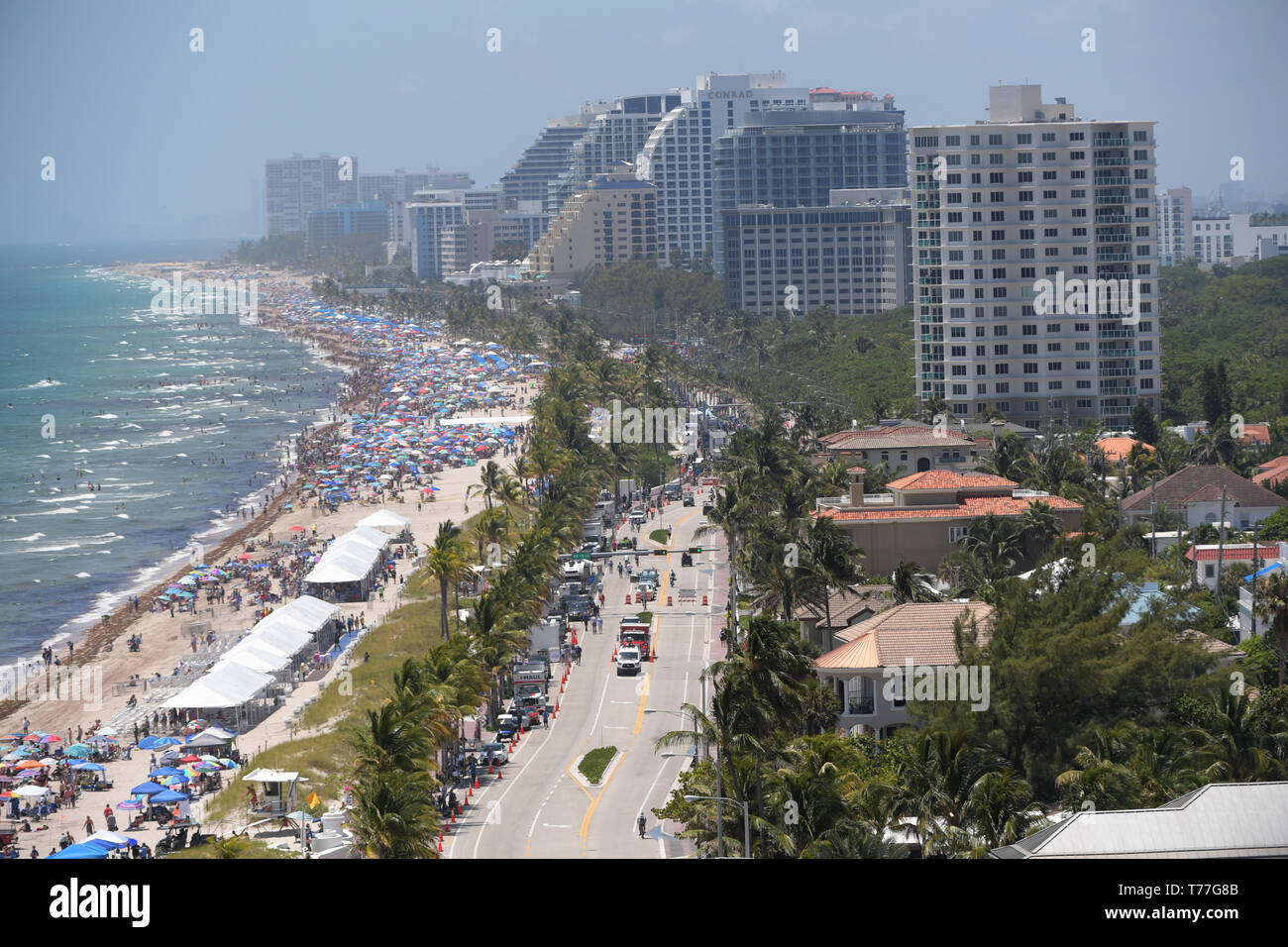 Florida, USA. 04th May, 2019. Atmosphere performs in the Fort Lauderdale Air Show on May 4, 2019 in Fort Lauderdale, Florida   People:  Atmosphere Credit: Storms Media Group/Alamy Live News Stock Photo