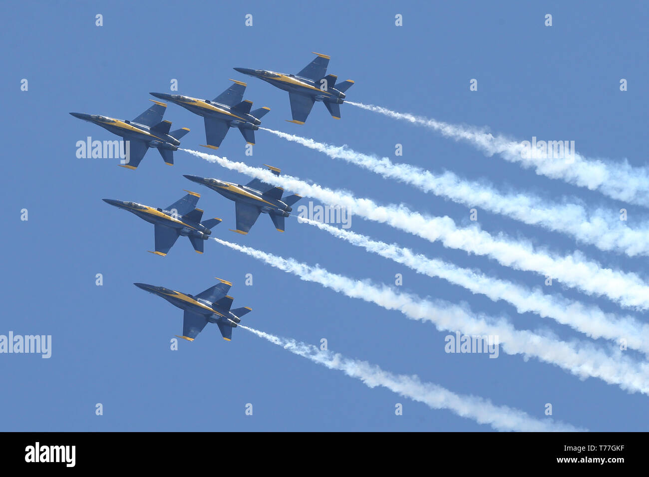 U S Navy And Canadian Air Force To The Base Stock Photos ...
