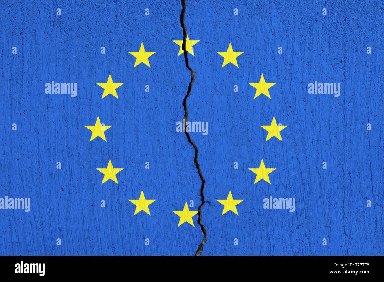 EU flag breaking apart , Cracked European Union flag Stock Photo