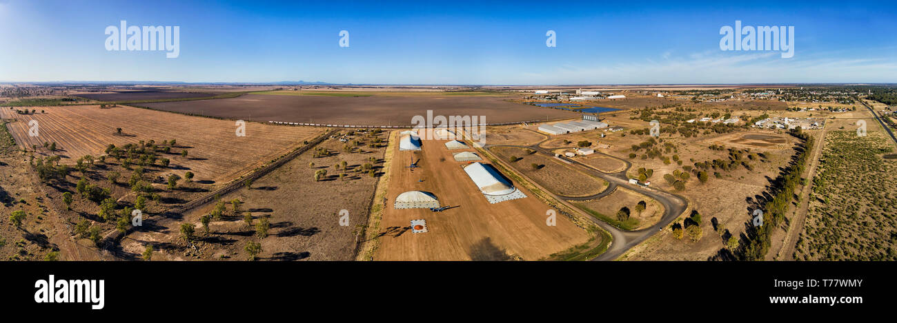 Bulk storage of grains at grain elevator site by rail road with developed transportation for needs of farmers in agricultural shire of Australia. - Stock Image