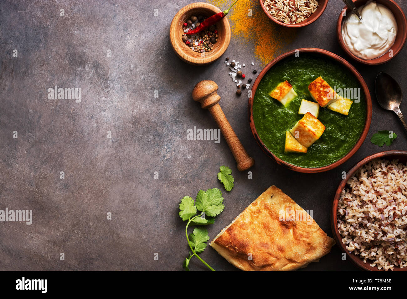Awesome Palak Paneer Or Spinach And Cottage Cheese Curry Mortar With Home Interior And Landscaping Analalmasignezvosmurscom