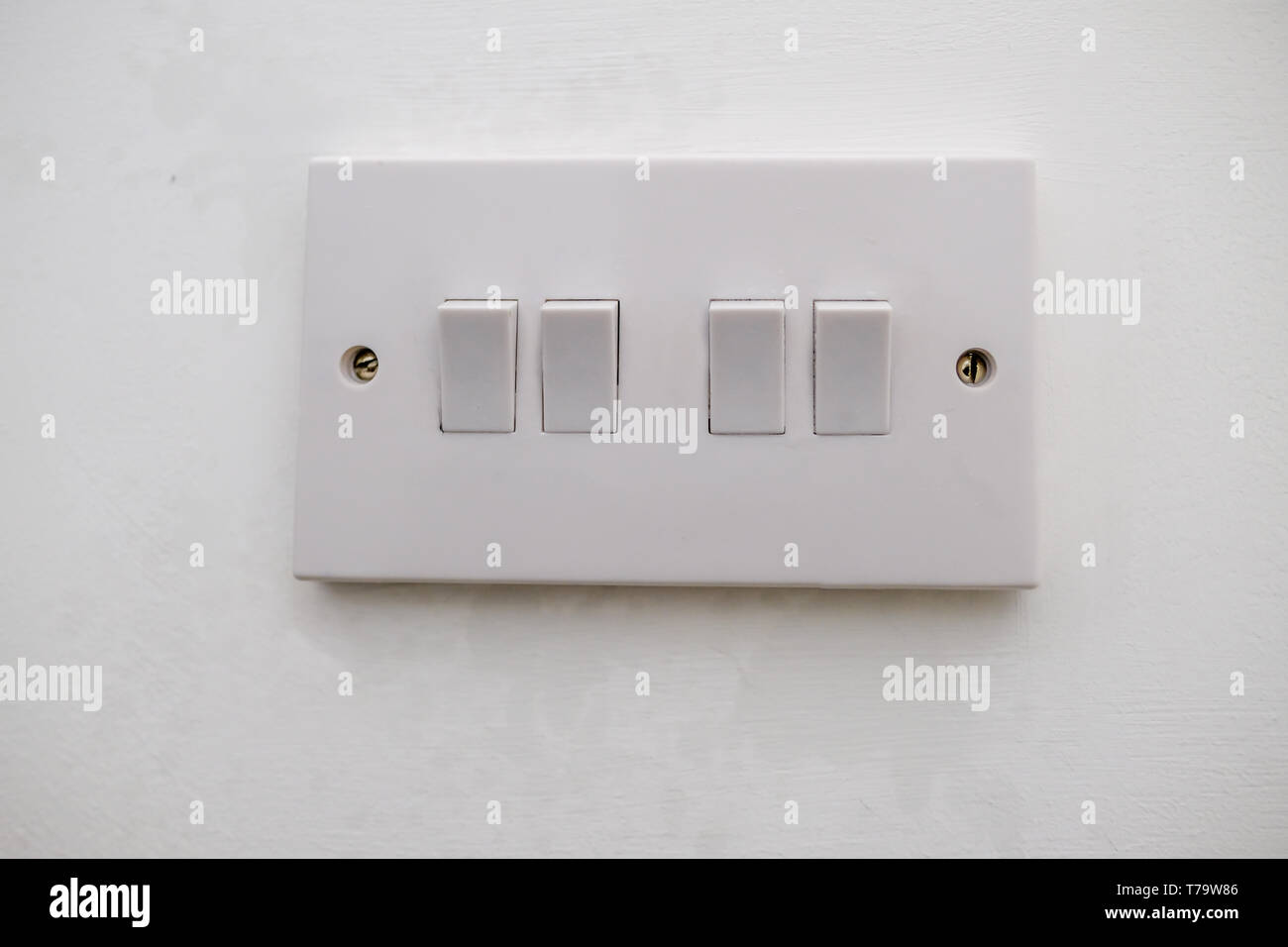 Four Way Switch Circuit