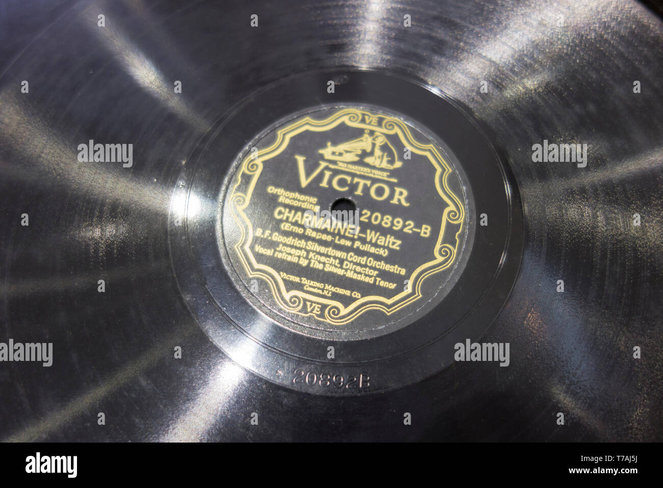 Victor record label with the Charmaine Waltz from the B.F. Goodrich Silvertown Cord Orchestra - Stock Image