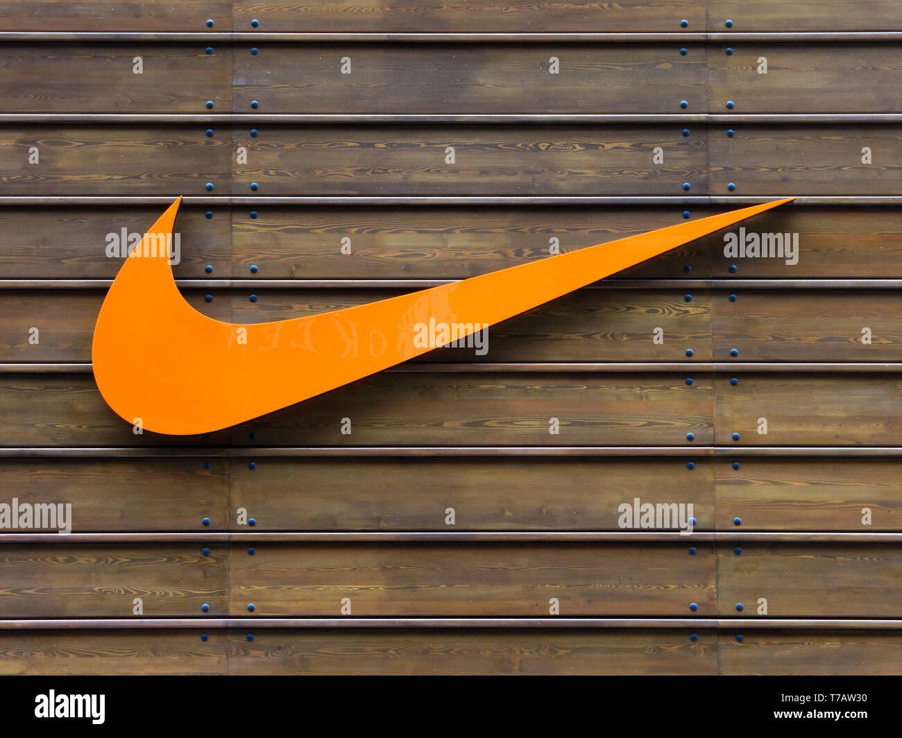 eaf48ce74e7d2 Nike Logo Sign Stock Photos   Nike Logo Sign Stock Images - Alamy