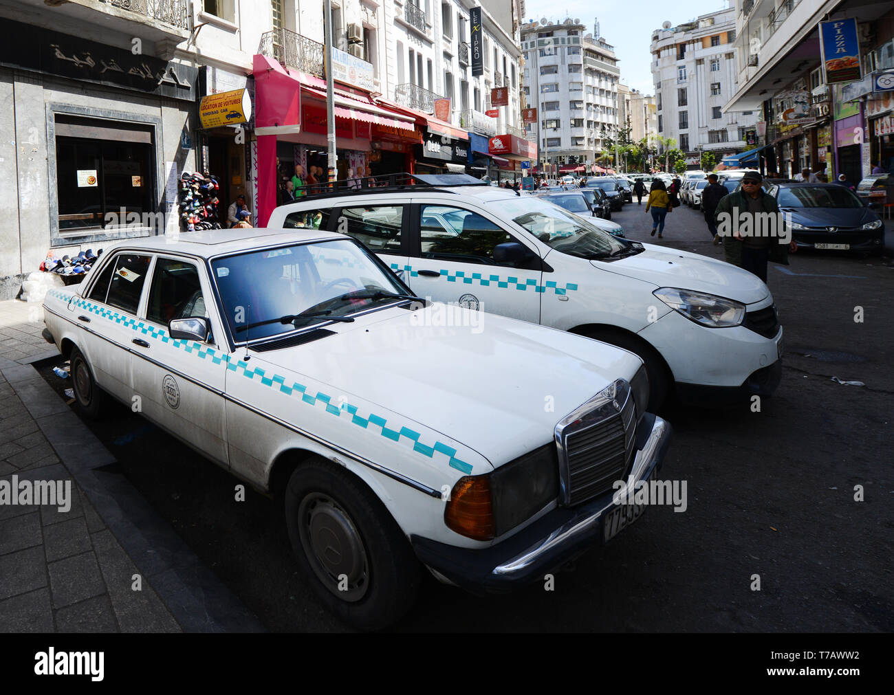 Mercedes Taxi Stock Photos Mercedes Taxi Stock Images Alamy