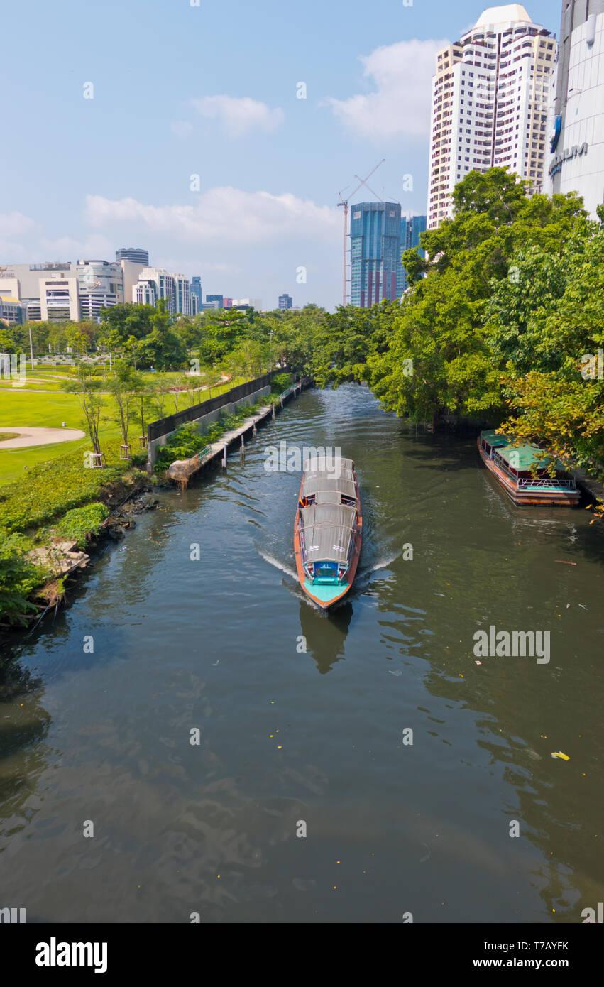 Long tail boat, Khlong Suen Saeb, Bangkok, Thailand Stock Photo