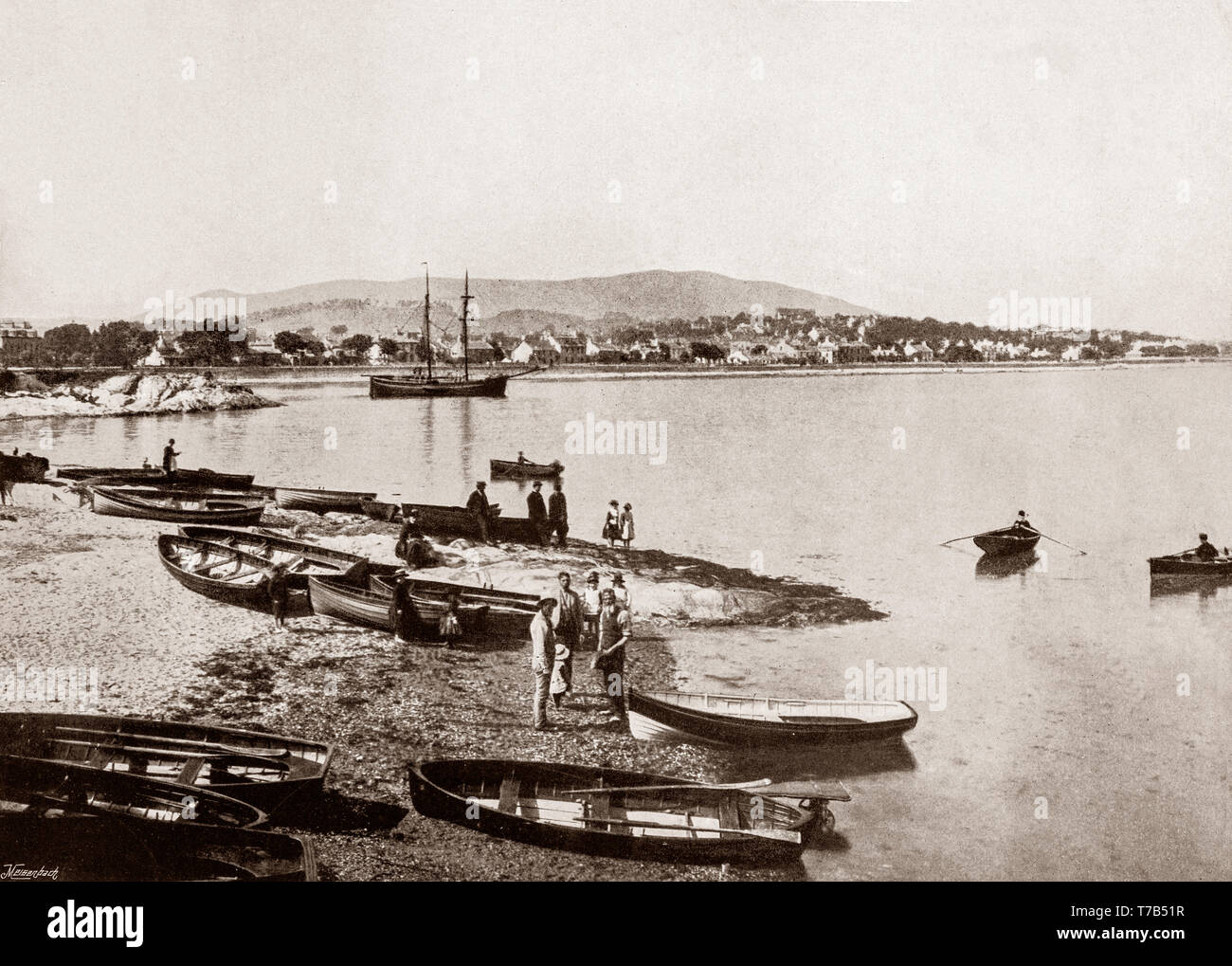 A late 19th Century view of the River Clyde at Dunoon, the main town on the Cowal peninsula in the south of Argyll and Bute, Scotland.  It becames a popular destination when travel by steamships was common around the Firth of Clyde; Glaswegians described this as going 'Doon the watter'. However, it's popularity diminished as many holidaymakers started to go elsewhere as roads and railways improved and the popularity of overseas travel increased. - Stock Image