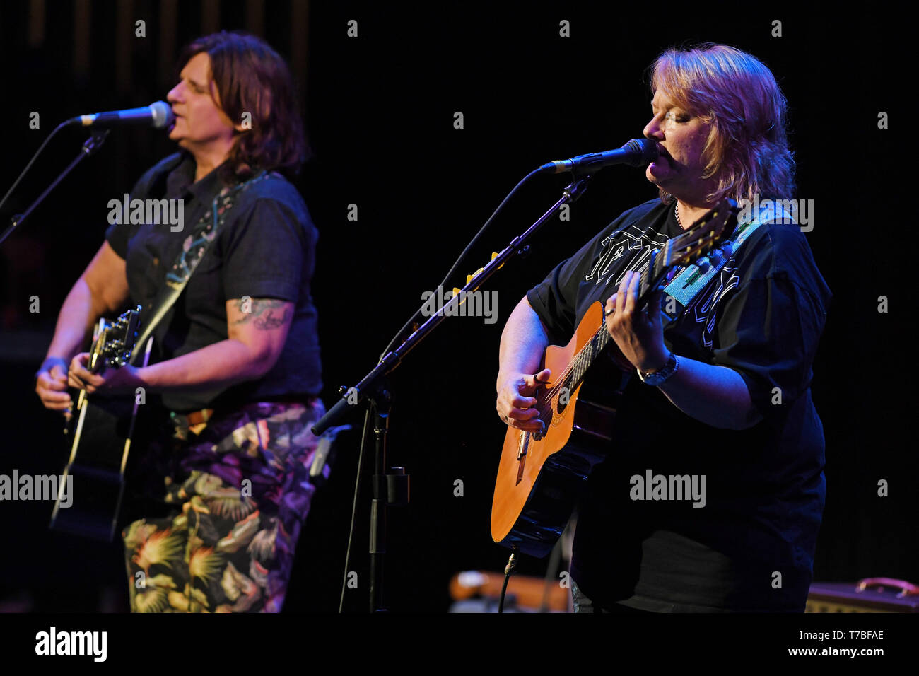 Fort Lauderdale, FL, USA. 04th May, 2019. Indigo Girls perform at The Parker Playhouse on May4, 2019 in Fort Lauderdale Florida. Credit: Mpi04/Media Punch/Alamy Live News Stock Photo