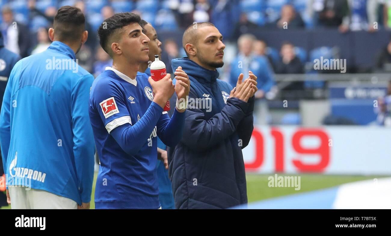 firo: 05.05.2019, Football, 2018/2019, 1.Bundesliga: FC Schalke 04 - FC Augsburg Nassim Boujellab, Ahmed Kutucu   usage worldwide - Stock Image