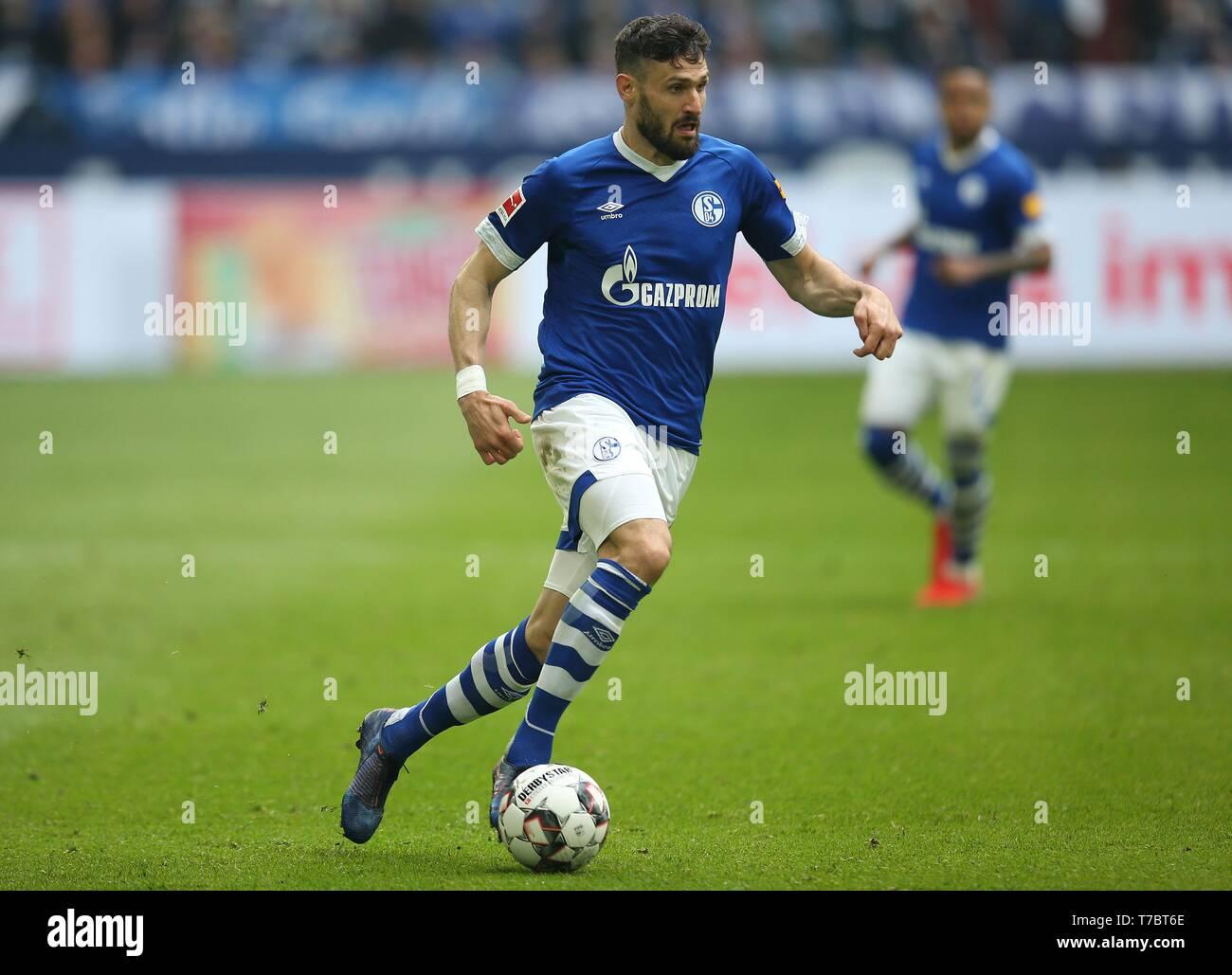firo: 05.05.2019, Football, 2018/2019, 1.Bundesliga: FC Schalke 04 - FC Augsburg Daniel Caligiuri, single action   usage worldwide - Stock Image