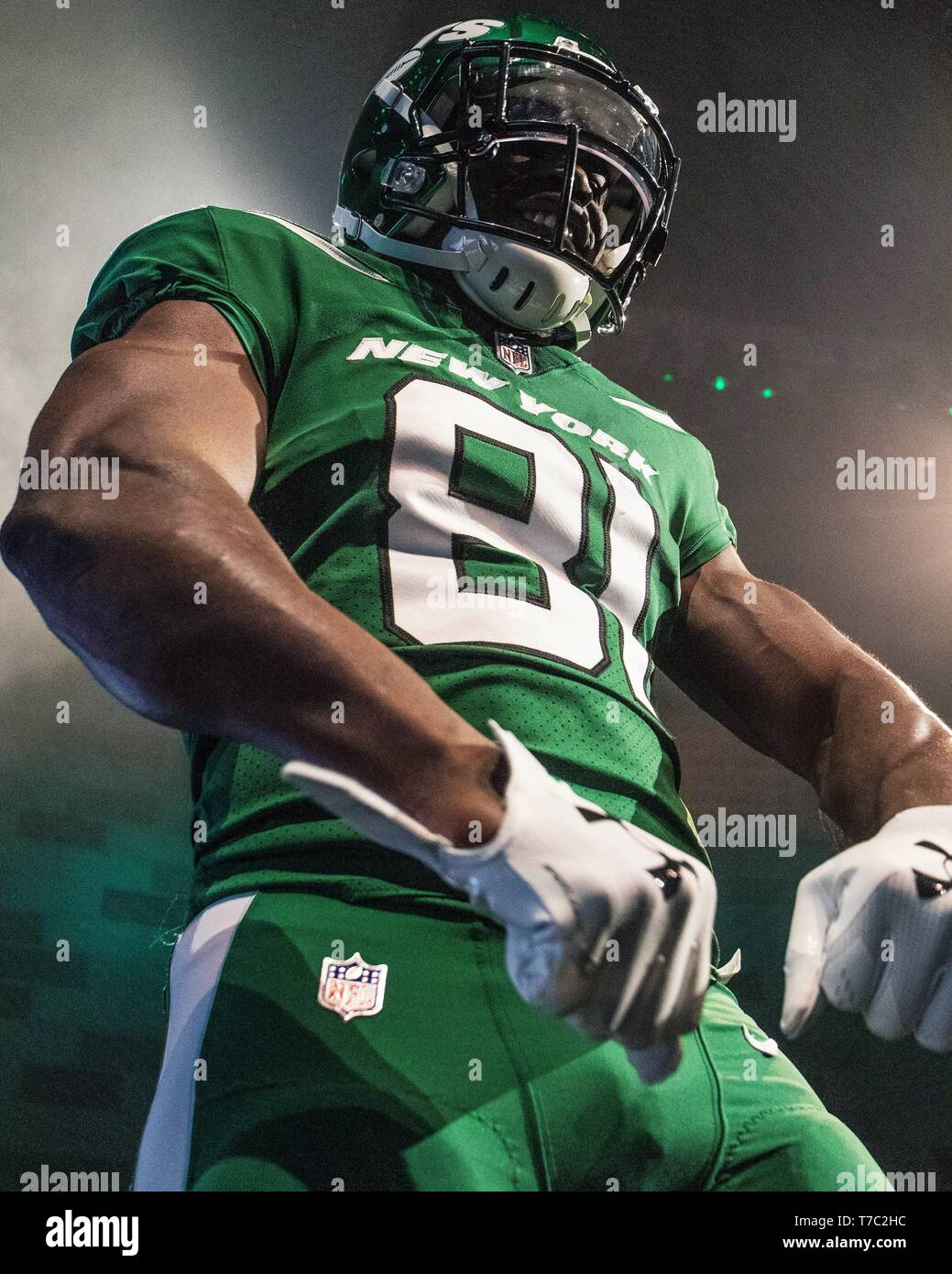 outlet store 08e45 509e0 New York Jets Jersey Reveal Green Carpet at Gotham Hall ...