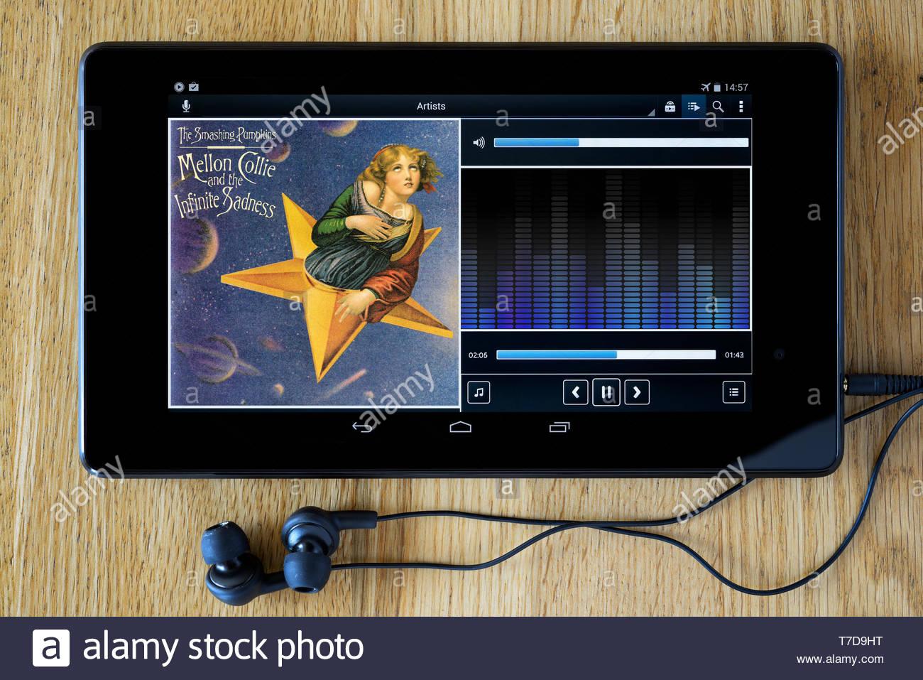 The Smashing Pumpkins, Mellon Collie and the Infinite Sadness MP3 album art on PC tablet, England - Stock Image